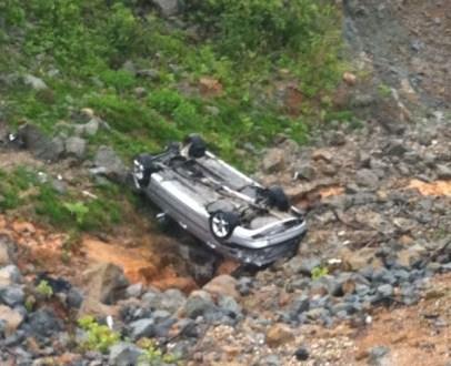 Korçë, automjeti bie nga një urë, 2 persona humbin jetën 3 të plagosur