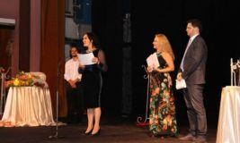 Mbrëmje gala e çmimeve në Festivalin Mbarëkombëtar të Komedisë, në Korçë