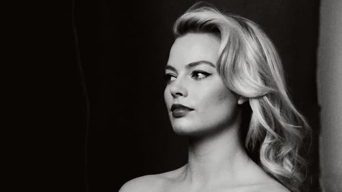 Christmas Tree Wallpapers With Quotes My Edit Annie Leibovitz Vanity Fair Margot Robbie