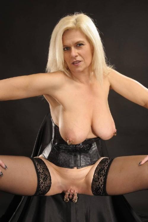 aroused mature nude tumblr