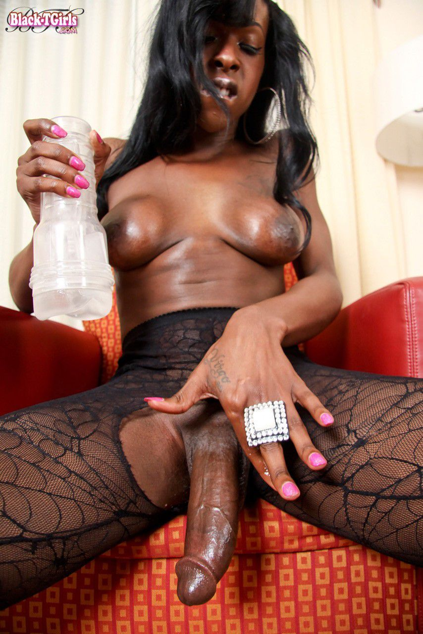 black-shemale-porno
