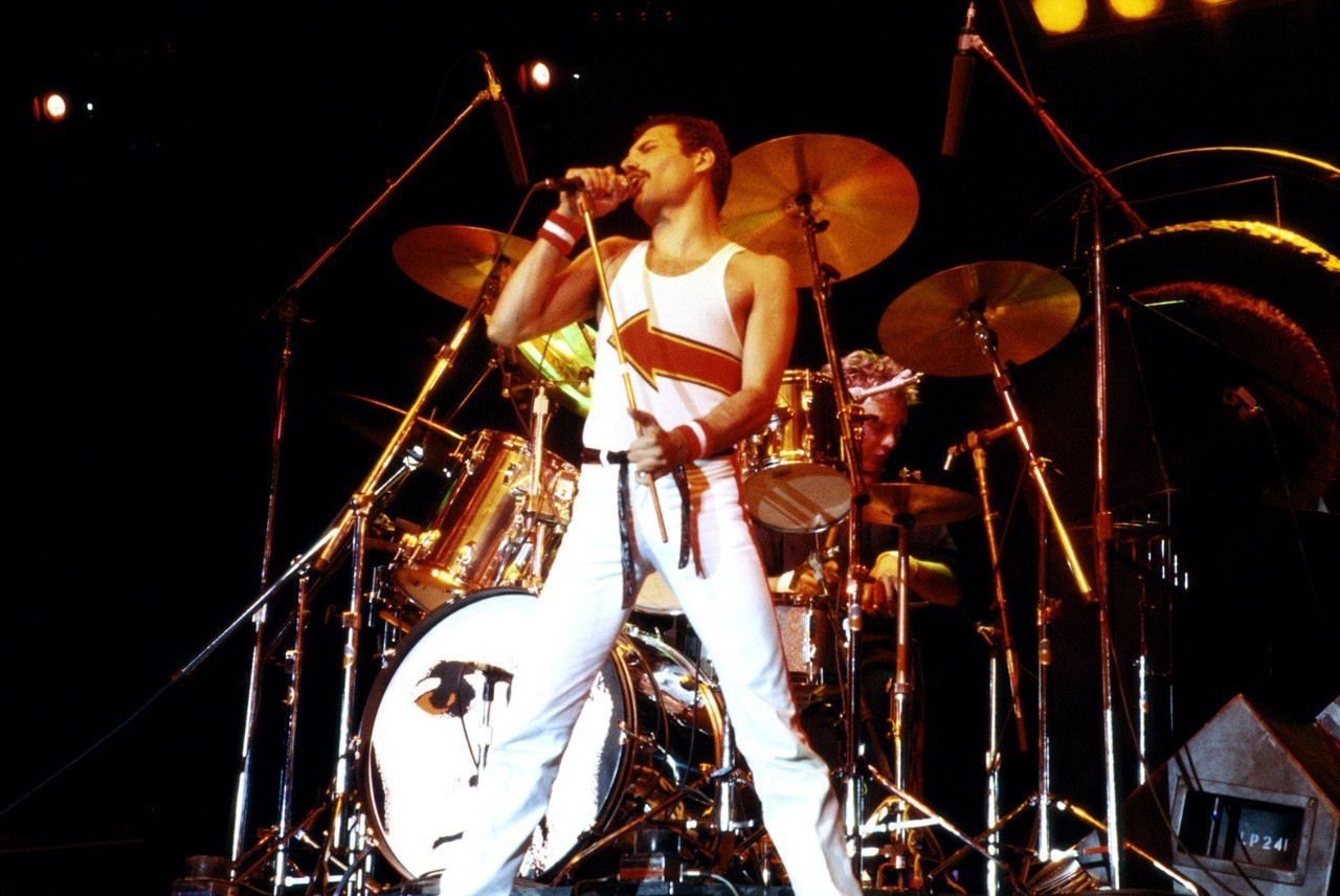 tumblr m4oi3nFEpb1r9ccy6o1 1280 My Favorites from Queen on Fire (Live at the Bowl)   #MusicMonday