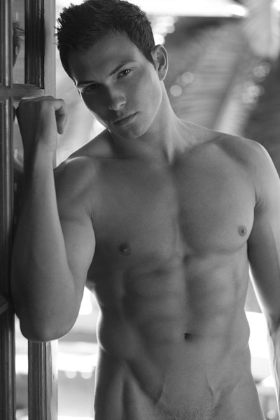 Rob Wilson, Price Is Right, Manhunt model