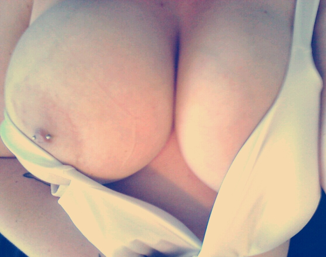 self shot dripping pussy