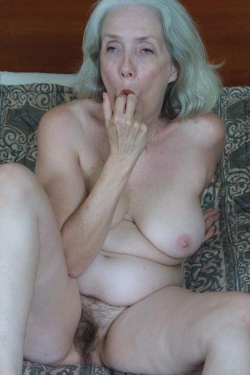 old oma tits amateur