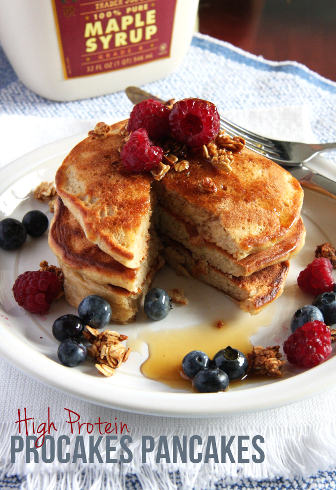 High Protein ProCakes Pancakes // 24 Carrot Life #protein #pancakes