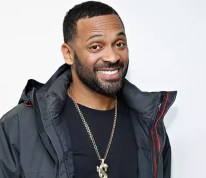 Mike Epps Caught By His Wife Being Sneaky On Twitter!