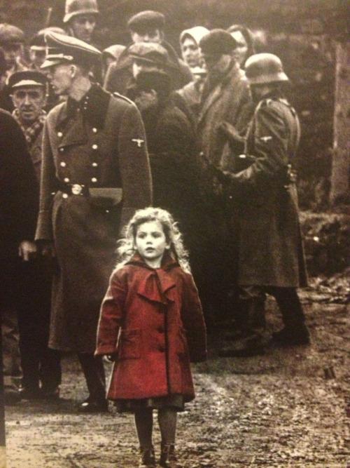 Cat Girl Wallpaper Girl War Universal Spielberg Red Coat Schindlers List