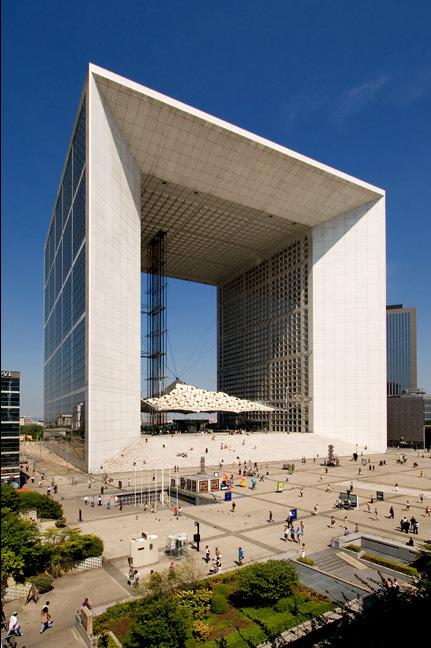 The Grande Arche de la Défense was built at the end of the 20th - prix construire sa maison