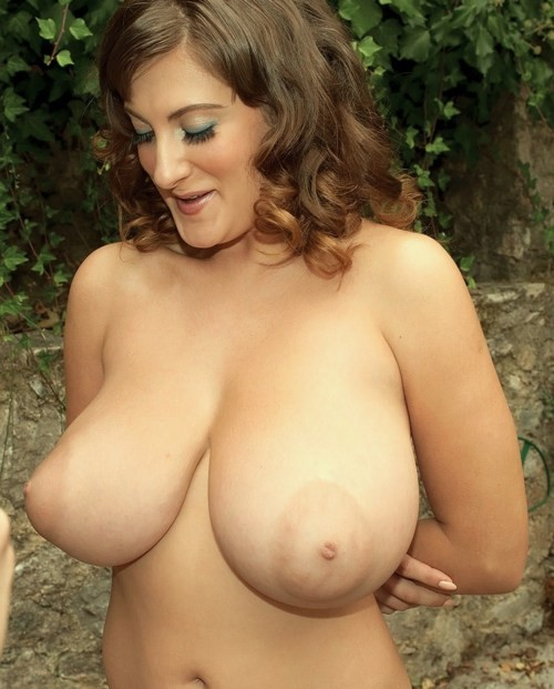 milf huge natural breasts