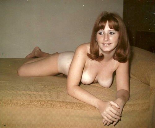 amateur wife nude in hotel