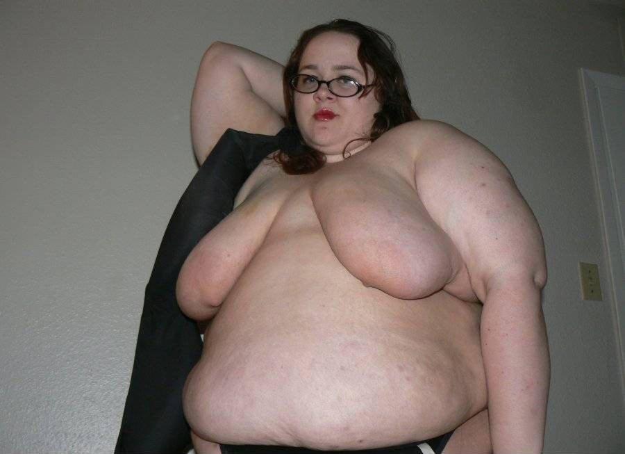 moms sagging tits