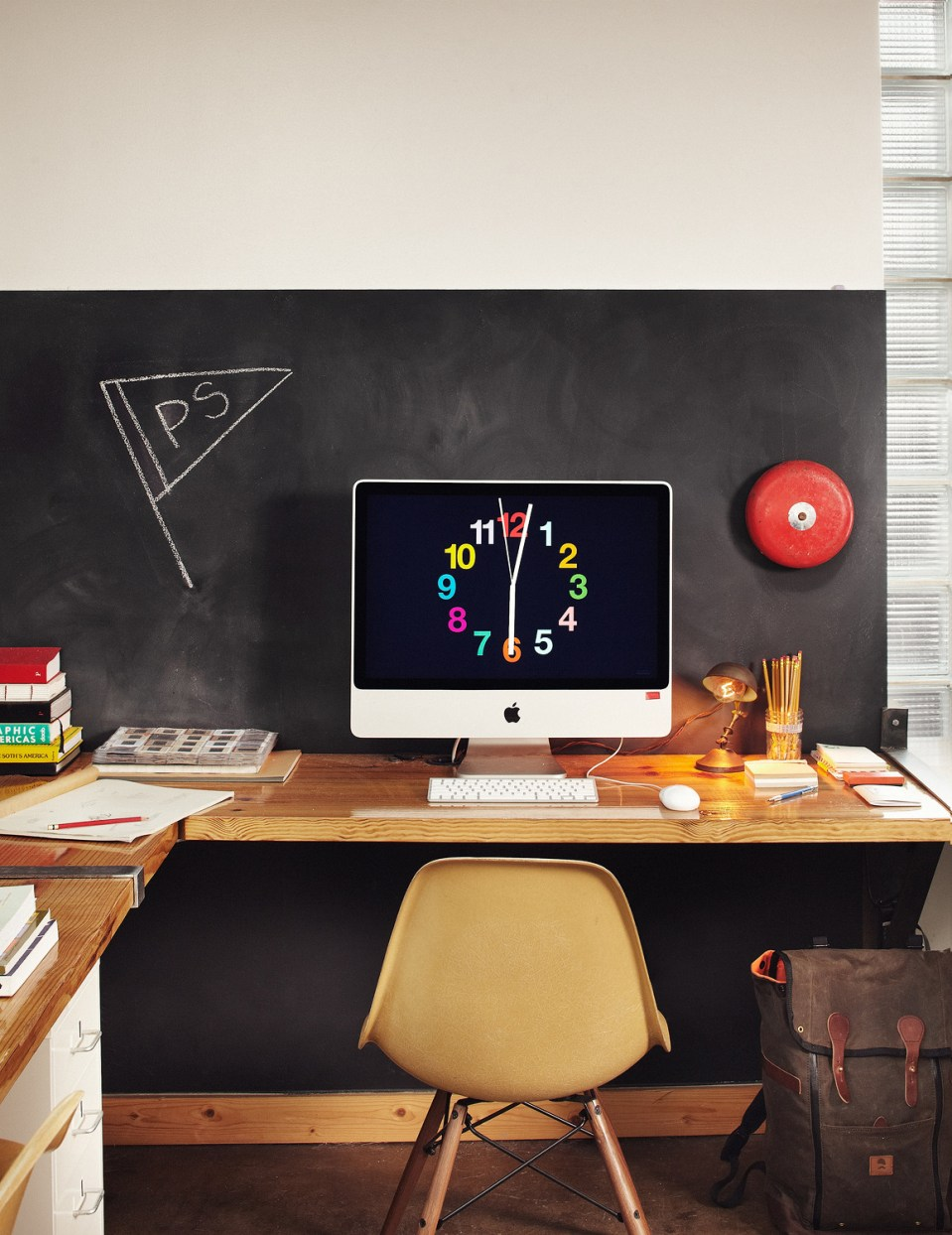tumblr m8wsnsms6c1r9tee7o1 1280 60 Cool Office Workspaces | Part 17