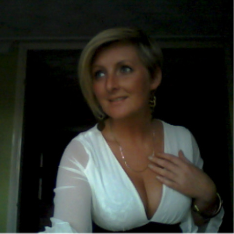 voyeur downblouse breasts nipple