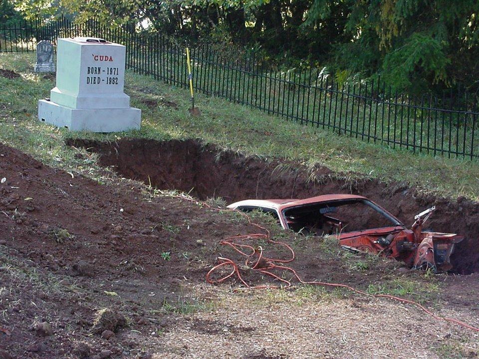 Alyssa Rose Graveyard Carz Hot Image Mag