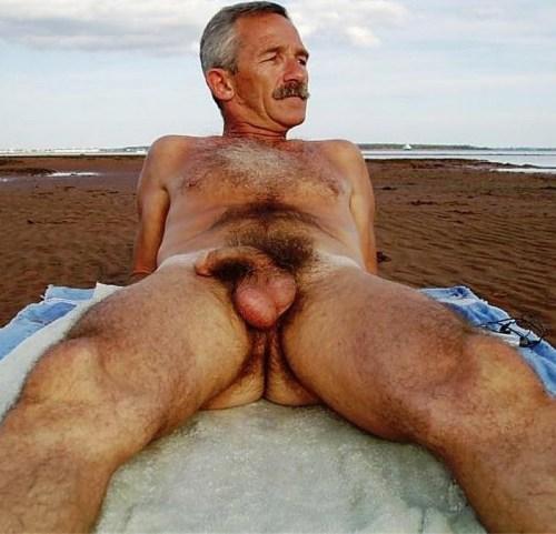 older mature male nude