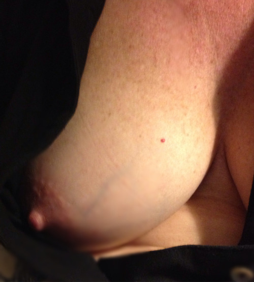 milf oops downblouse clevage