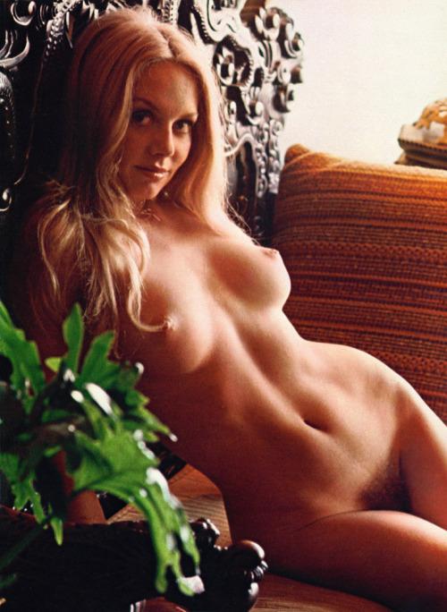 Sexy classic porn babe