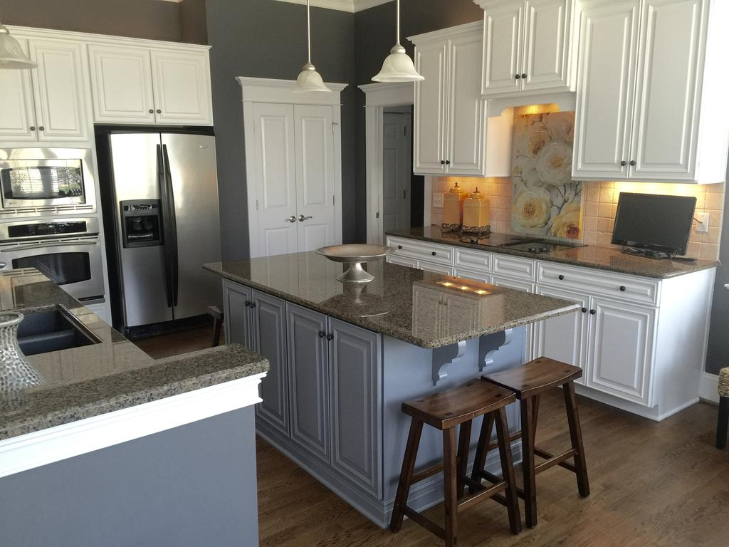 Home Kitchen Island Sherwin Williams Extra White And Benjamin Moore Steel Wool