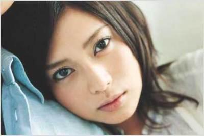 柴咲コウの乳揺れGIF画像 ほか美しすぎると話題のオヤスミすっぴんショット