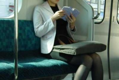 31歳OL私、電車内で痴漢に間違えられる