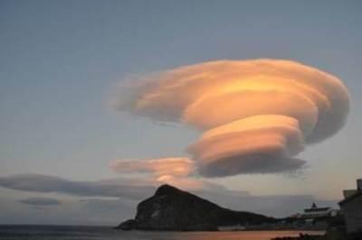 【画像】海外の地震雲のスケールがヤバいwwwww