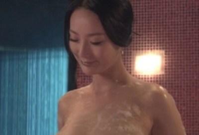 このぬるぬるオッパイgif画像の美人女優だれや!? 映画の詳細教えてくれ!!!
