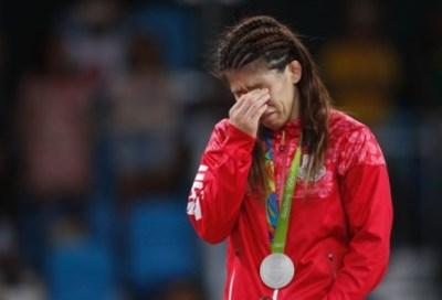 吉田沙保里さん24時間テレビ企画で心臓病の少女と金メダル約束していた→2chの反応