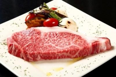 中国で牛肉買ったらビクンビクン痙攣しててワロタ<恐怖>脈打つ牛の生肉