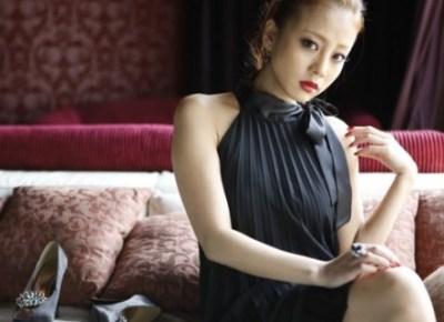 あびる優の母 中山貴美子さん若かりし頃の全裸写真が美しすぎる<画像>美人姉との2ショット公開