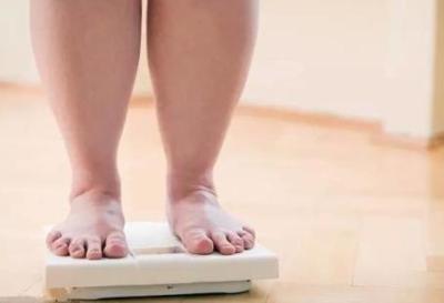 「私は太ってない!」人気女子アナに局がダイエット命令 ふさわしい容姿に痩せるまで1ヶ月テレビ出演禁止処分