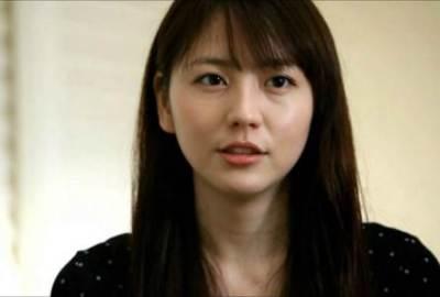 長澤まさみさん美脚が一層際立つガーター姿<画像>ミュージカル初主演で大胆限界露出