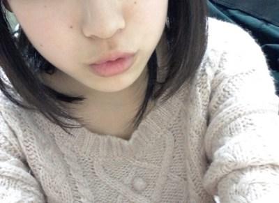 【悲報】NMB48松田栞さんデキ婚報告ウェディングドレス姿にオタ発狂 ※スッピン動画ほか画像