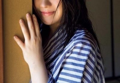 電通で働く現役美女OLがHカップヌ-ド披露<画像>電通メディア部門の契約社員 藤崎里菜さん