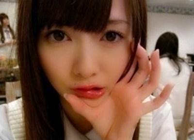 【悲報】白石麻衣さん精いっぱい胸を寄せてみた結果 →画像