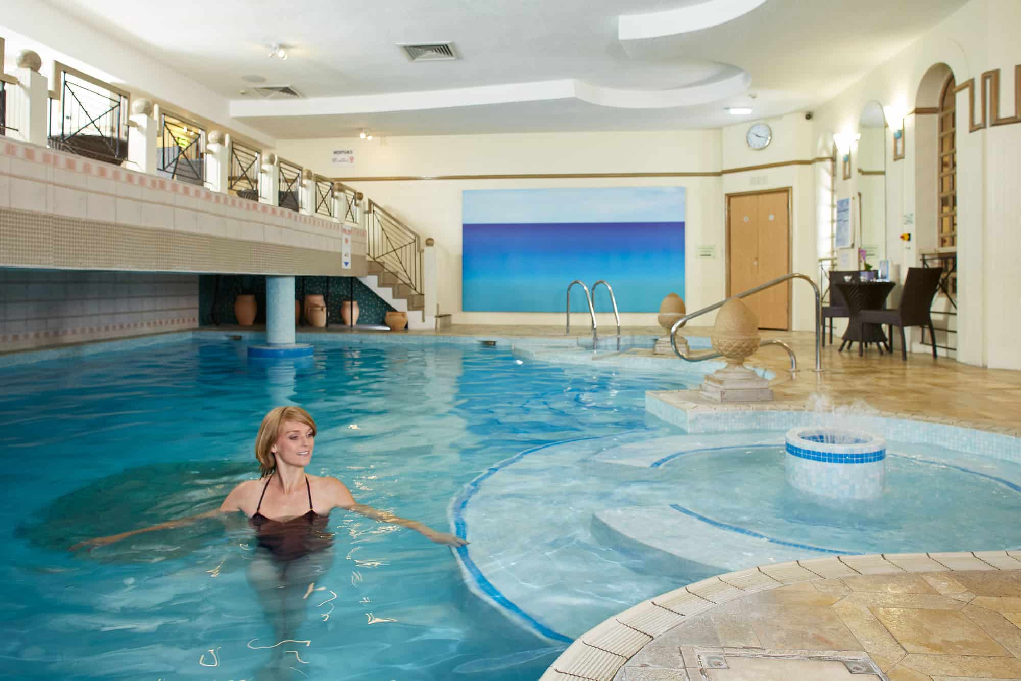 Jacuzzi With Swimming Pool Aquilla Spa Health And Fitness Centre In Knightsbridge London