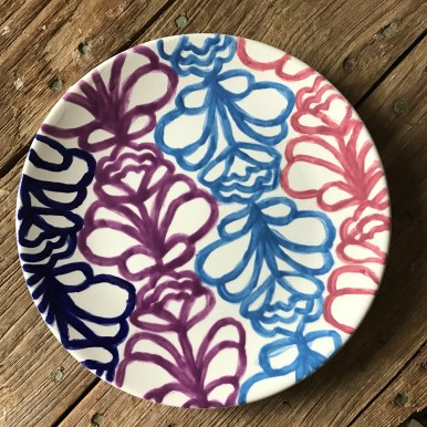 Hand Party Traced Design Plate
