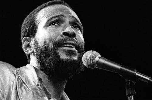 Marvin Gaye al micrófono
