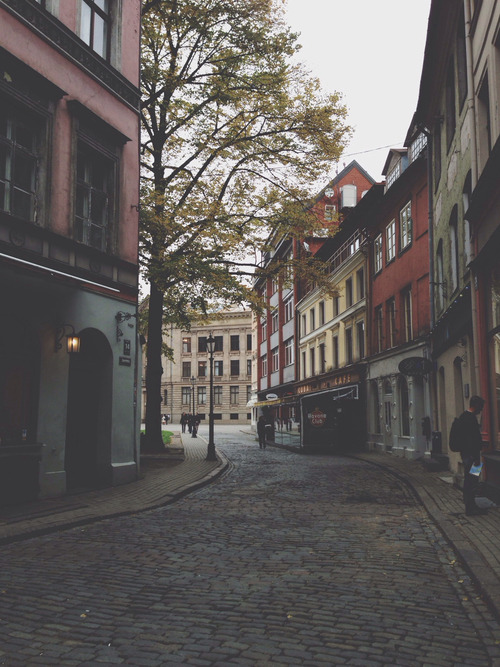 Cute Small Sad Girl Wallpaper Hipster Vintage Boho Indie Grunge Old House Buildings Town