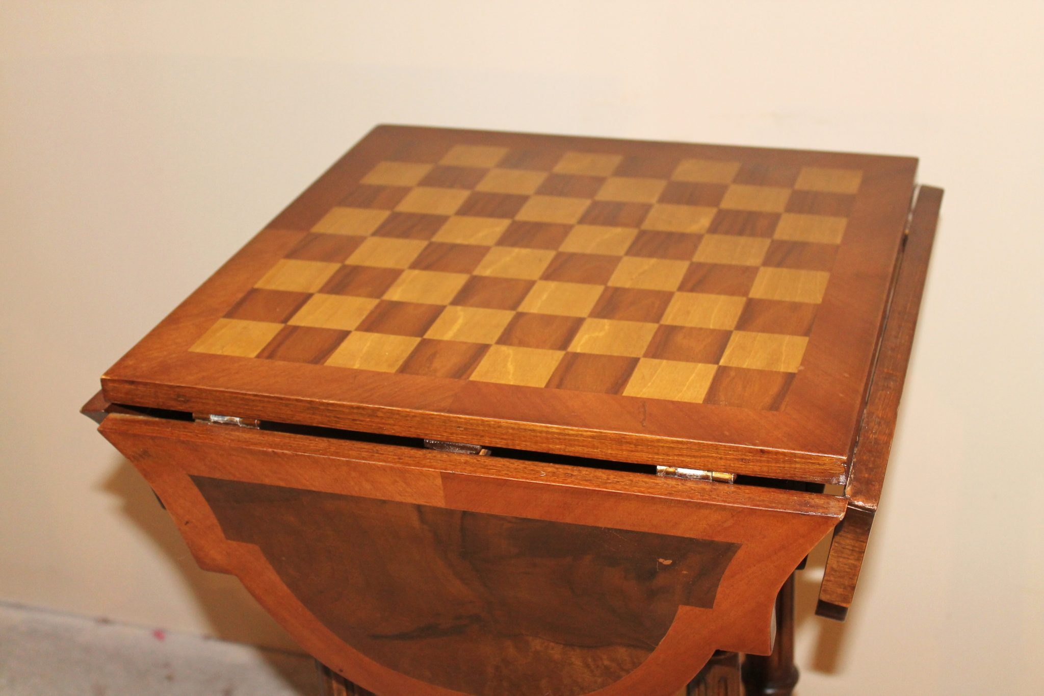 Chess Table Edwardian Style Folded Top Solid Wood Chess Table