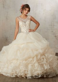 A Trendy & Elegant All White Quinceanera Theme - Quinceanera