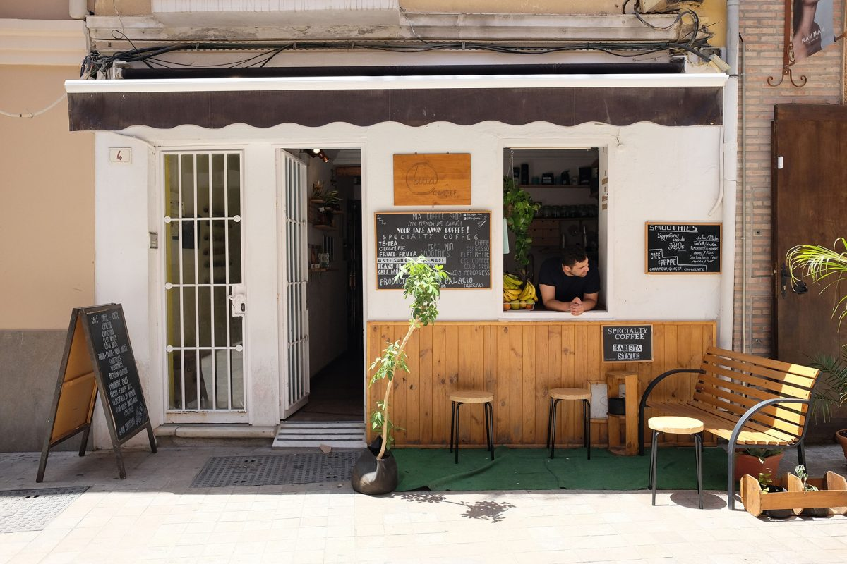 Café Cafés Mia Coffee Shop A Tiny Little Cafe Brings Specialty To Malaga Spain