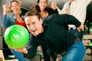 Pinstripes Goose Island Bowling League