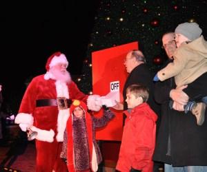 Santa returns to light the tree at Deer Park Town Center
