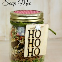 ultimate veggie soup mix in a jar