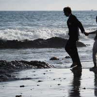 Photography: Bride and Groom at The Beach.