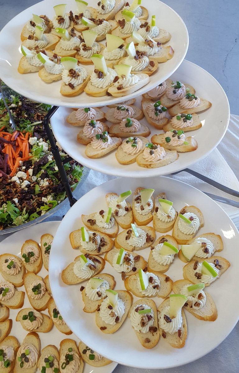 Canapé Relax D'occasion 3 Dudes Dinner Event Catering