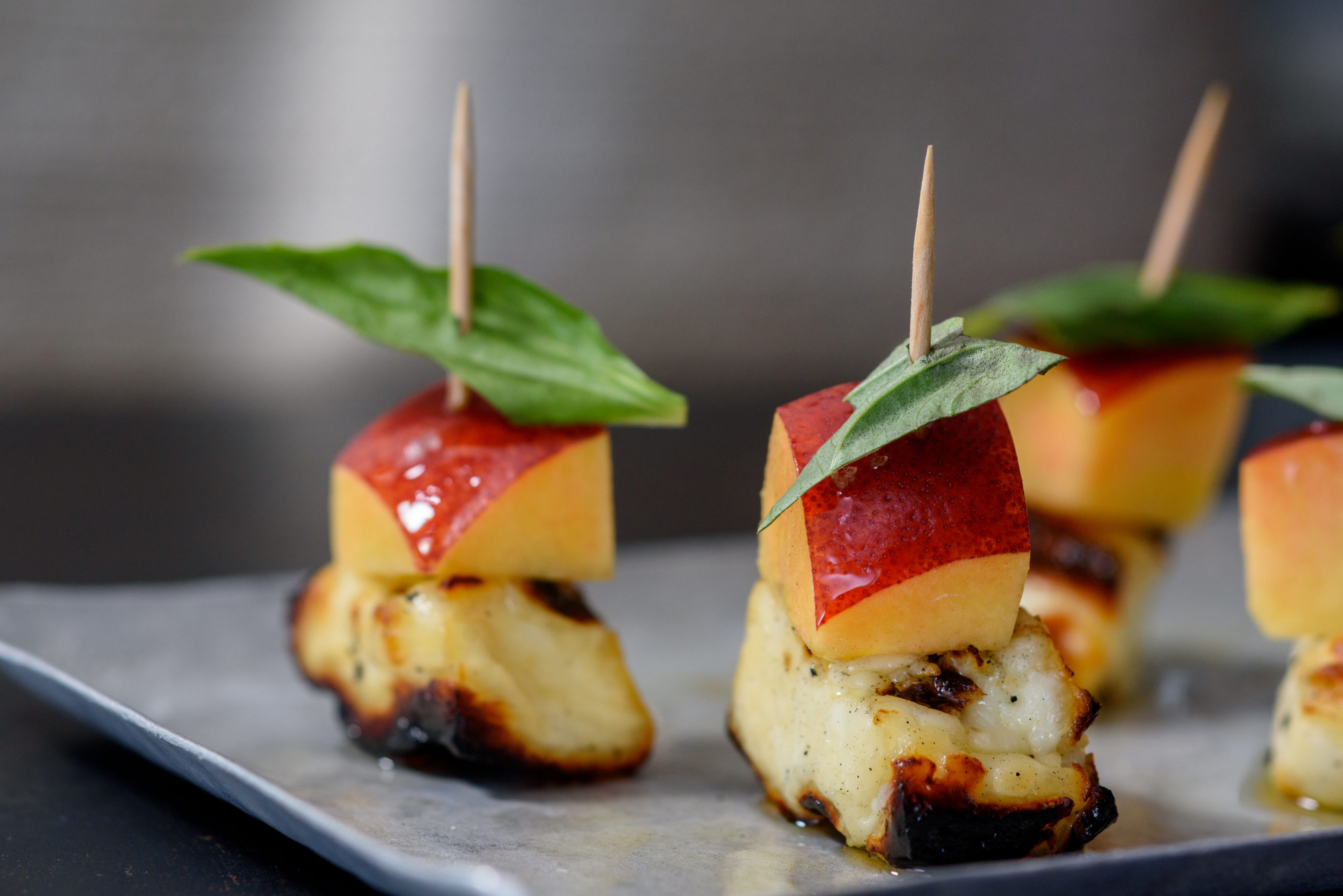 Canapé But Broadway Drink Restaurant In Boston Ma On Bostonchefs Guide To