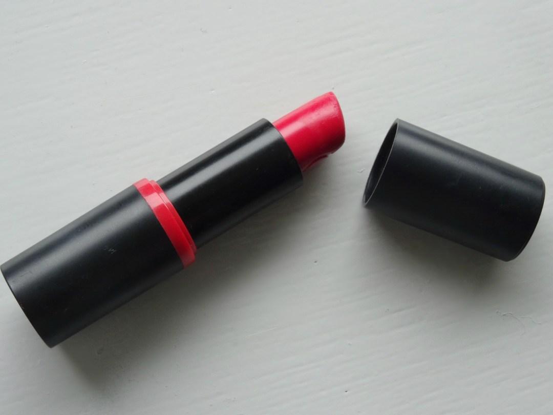 rode kleur essence