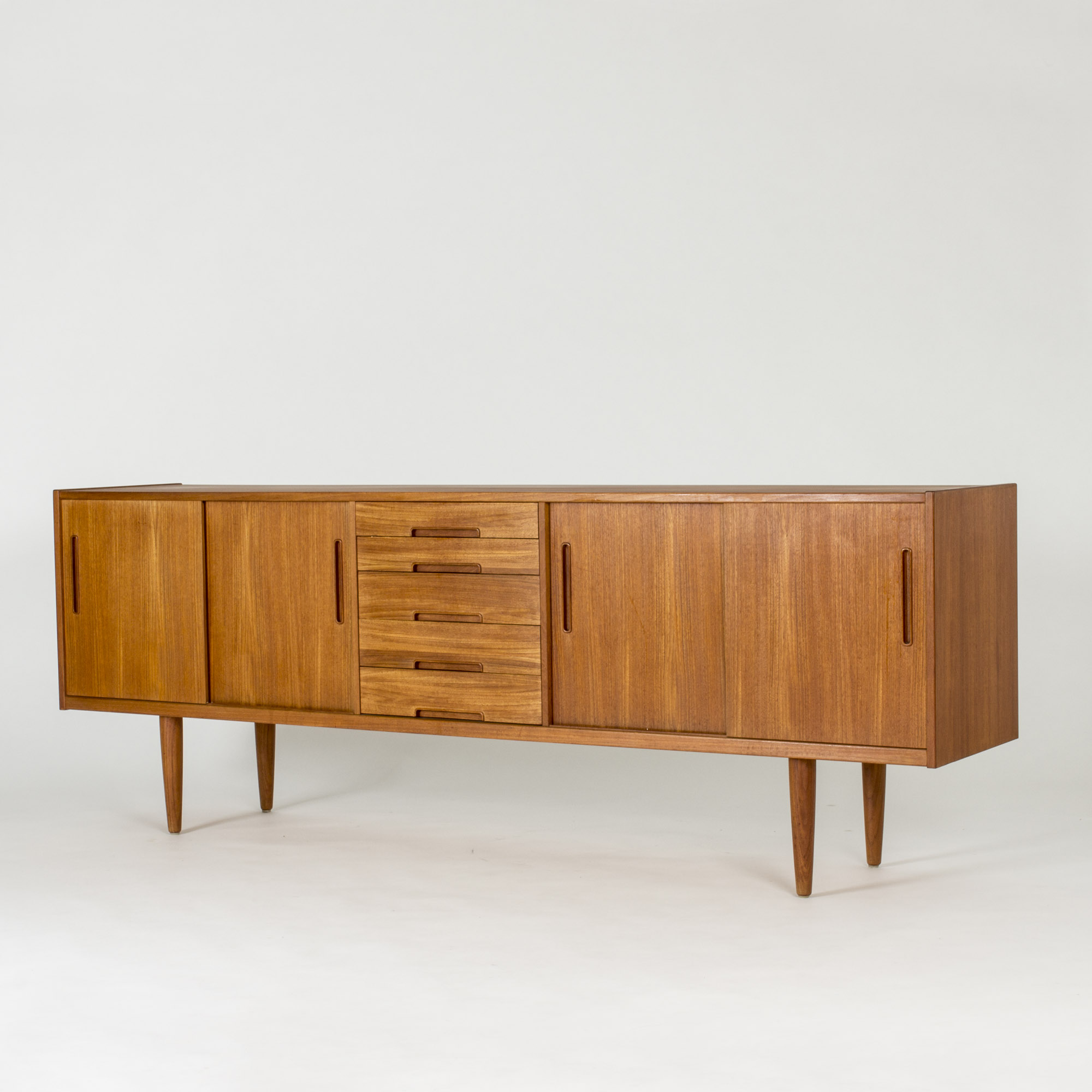 Sideboard Antik Sold | Beautiful Vintage Midcentury Modern Design